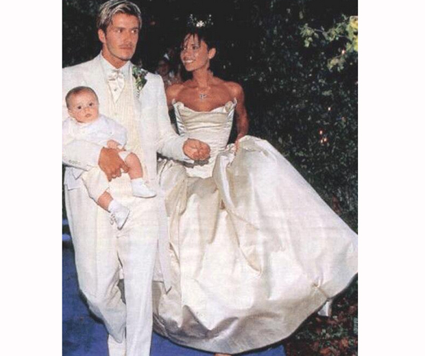 It S David And Victoria Beckham 17th Wedding Anniversary Today Guys We Re Feeling All The Love