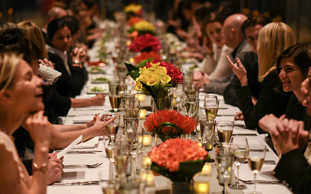 How To Be The Perfect Dinner Party Guest According To A