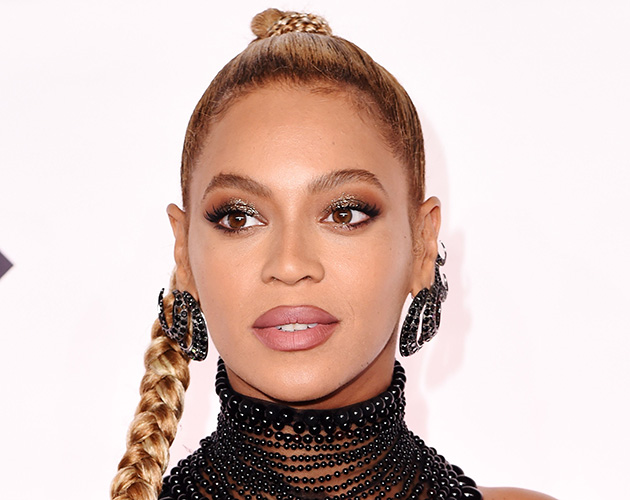beyonce may have put us off wearing earrings for life look magazine