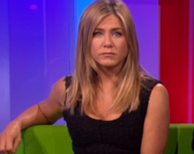 Why viewers could not understand jennifer aniston 39 s for Sofa jennifer aniston