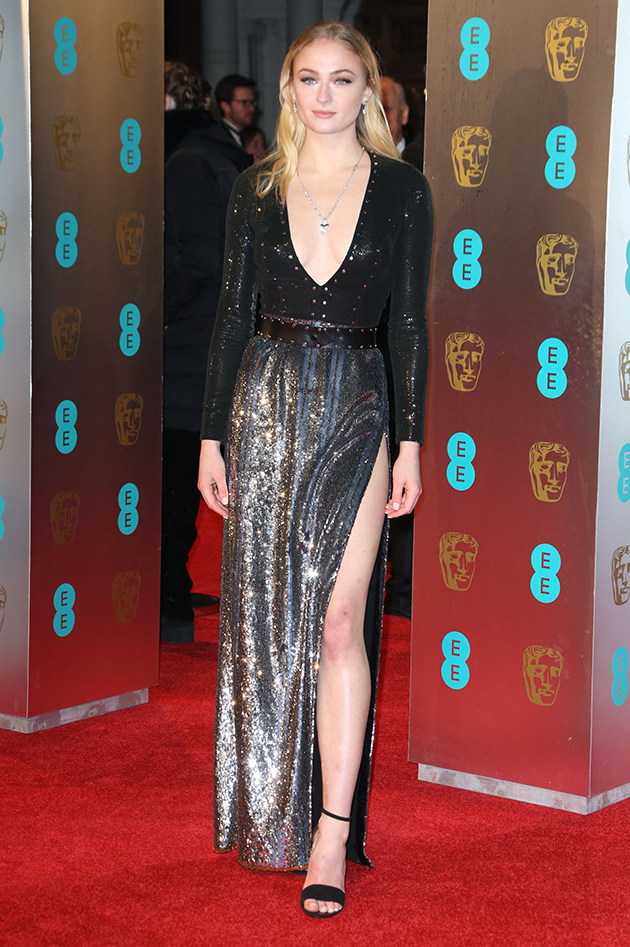 Baftas 2017 Got S Sophie Turner Almost Flashes On The