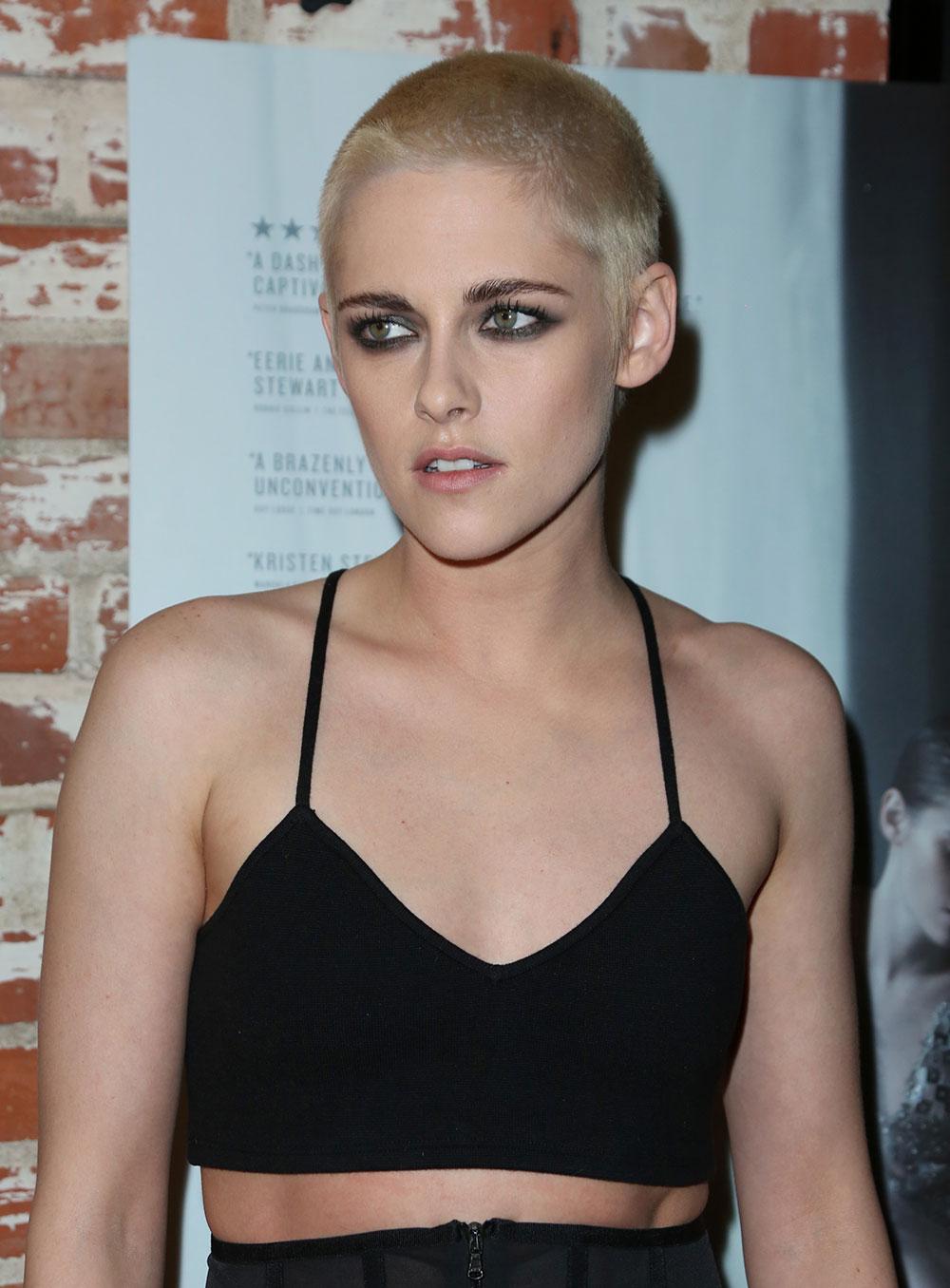 Kristen Stewart Shows Off New Buzzcut Hair 'Do At Premiere