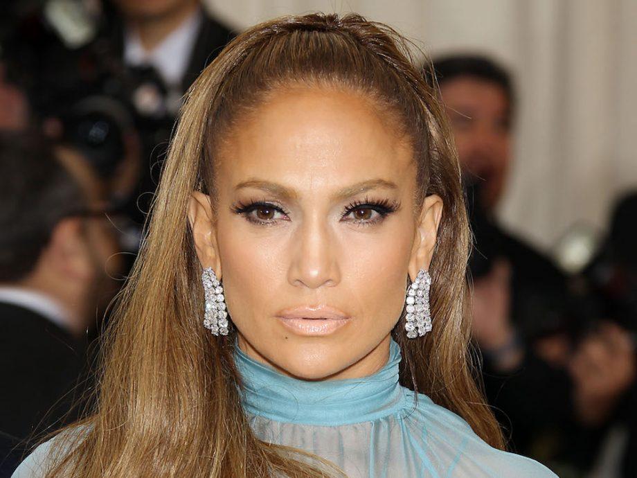 false eyelash hack - Jennifer Lopez