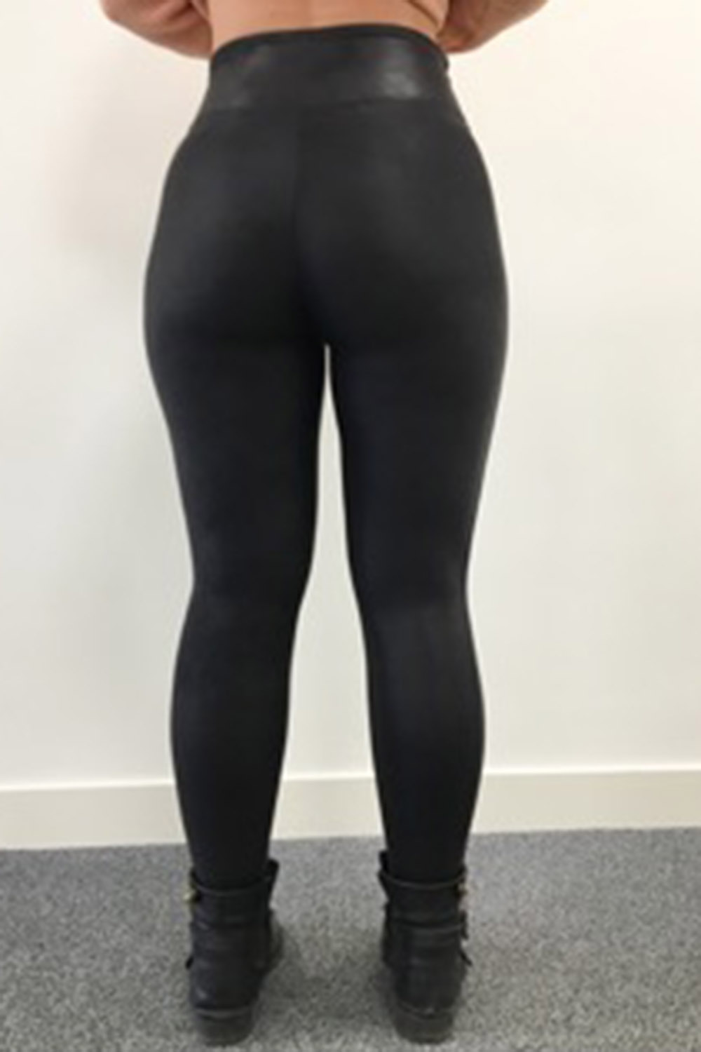 a287efb266eb Are These Sell-Out Leggings The Best In The World...  - Look Magazine