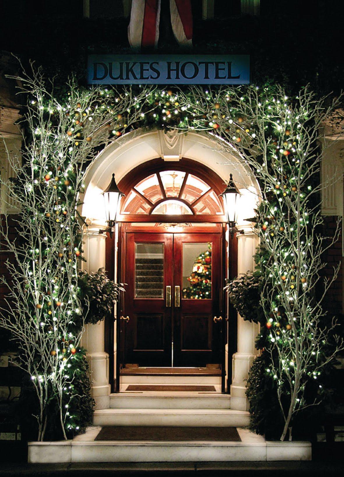 Dukes London hotel Christmas magic: Enjoy festive workshops in luxury surroundings