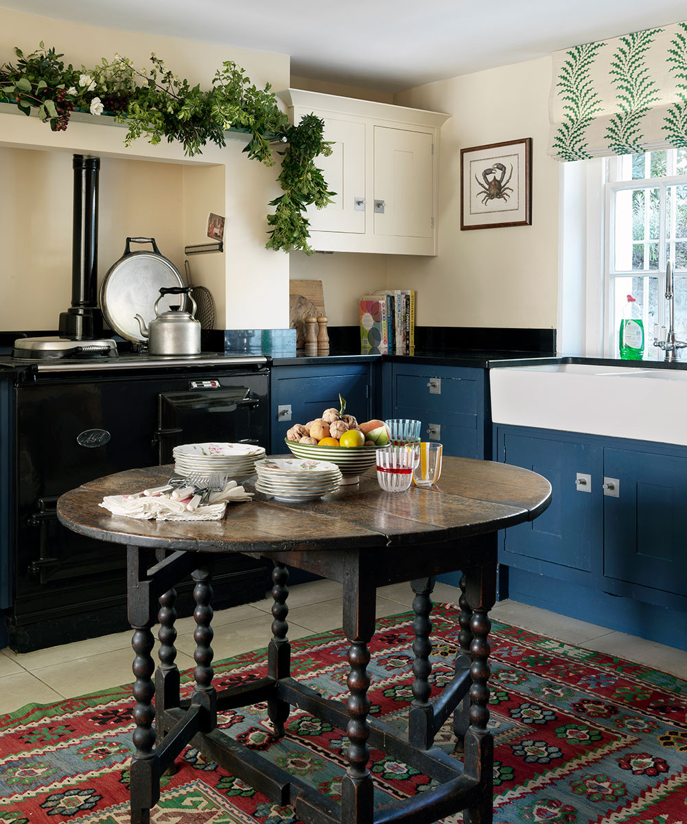 A stucco-fronted townhouse with an abundance of colour and character