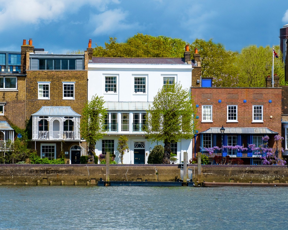 Grade II listed London home with its own pier on the River Thames for sale