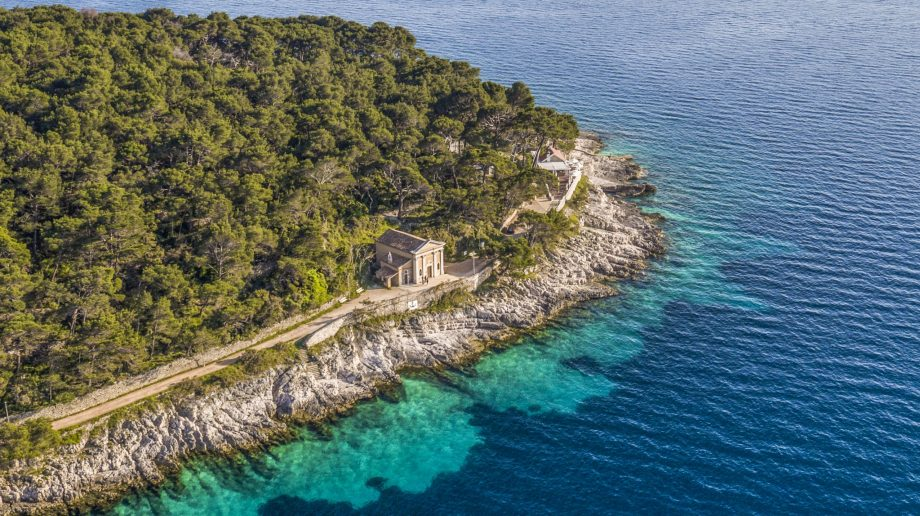 The rugged coast of Lošinj Croatia
